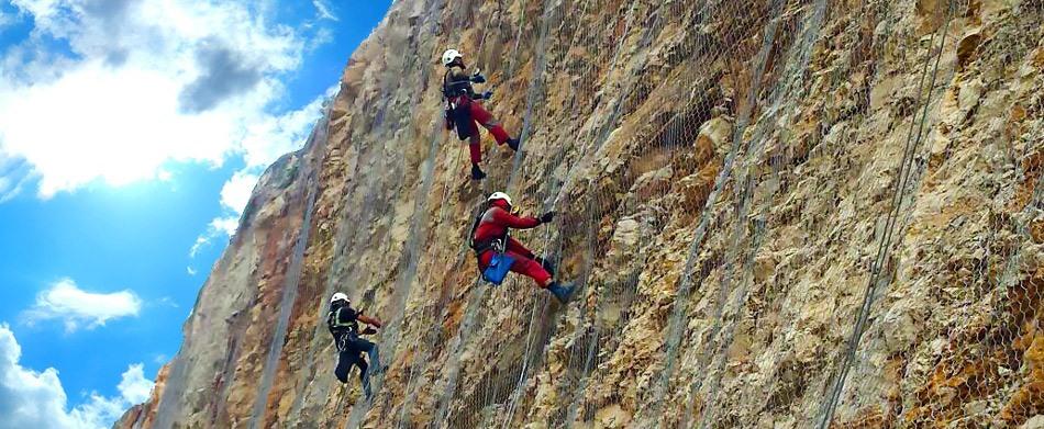 Kaya taş düşmelerine karşı korunma